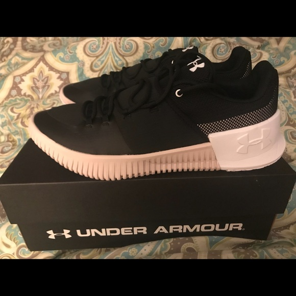 buy popular 09efb 841eb Under Armour Shoes | Size 105 Womens Ultimate Speed | Poshmark